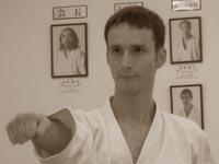 Александр Чичварин тренируется в хонбу додзё KWF