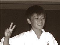 Японские дети окружили Александра