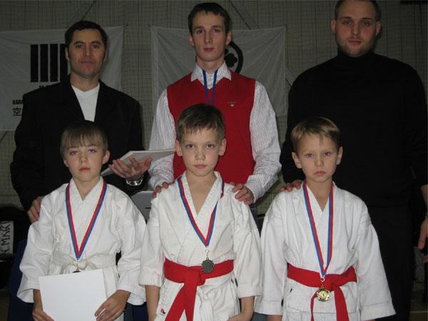 Презеры соревнований по кумитэ среди мальчиков 8-9 лет