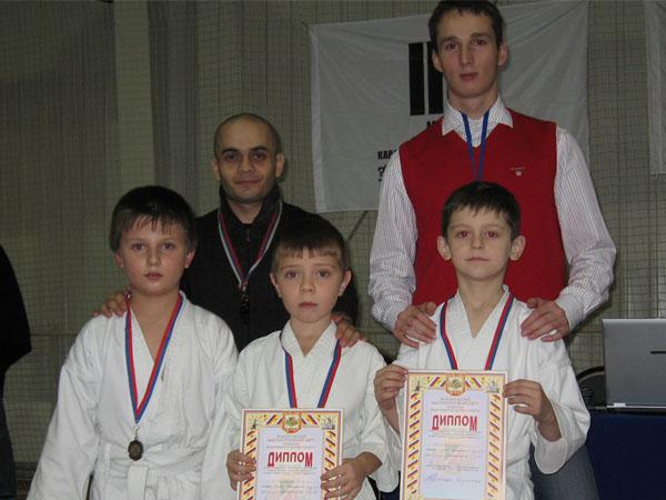 Презеры соревнований по кумитэ среди мальчиков 6-7 лет