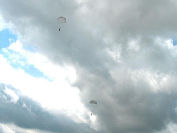 наши парашютисты
